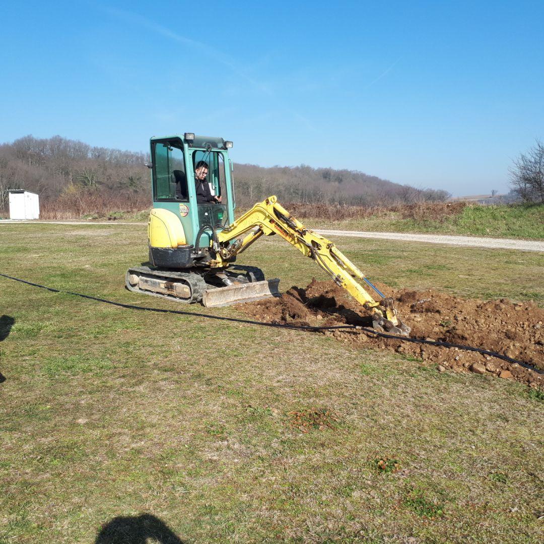 Travaux de terrassement au terrain